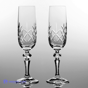 pair lead crystal champagne flutes with traditional cross cut pattern design and a panel for engraving personalised message.